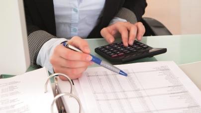 Dette, remboursement de crédit et histoires loufoques